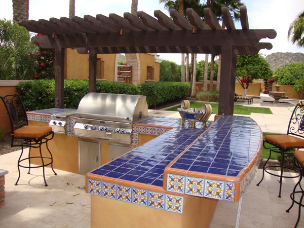 Landscape architects distinguishes professionals for Mexican outdoor kitchen designs