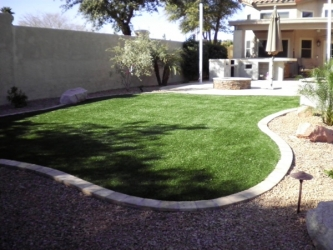 Backyard Outdoor Putting Green