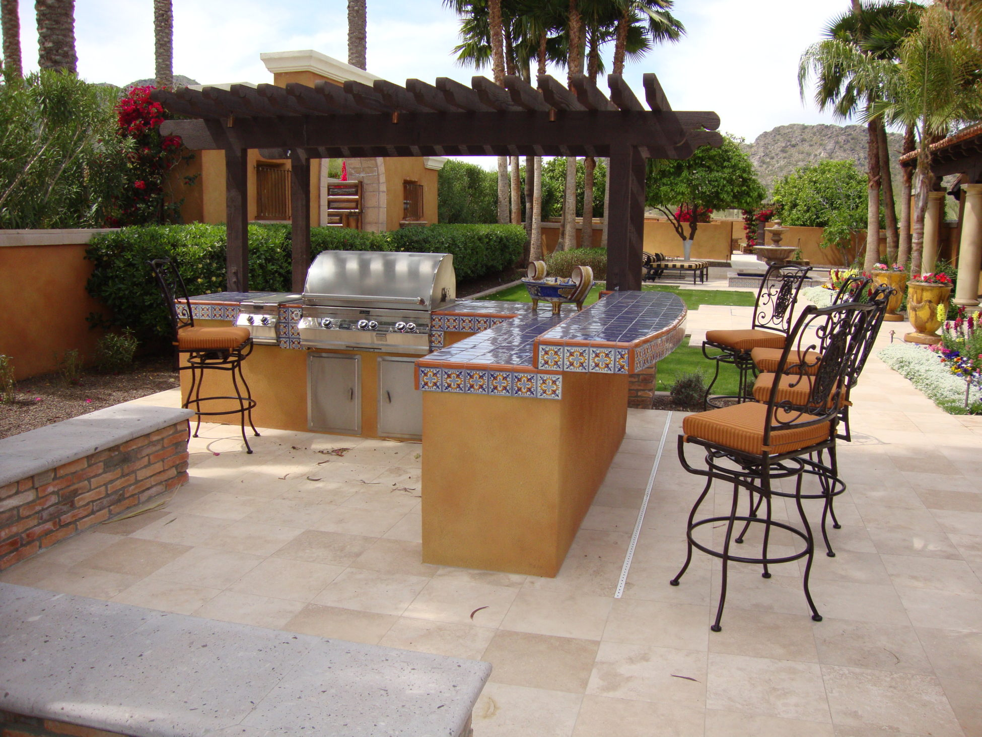 Arizona outdoor kitchens for Backyard kitchen designs photos