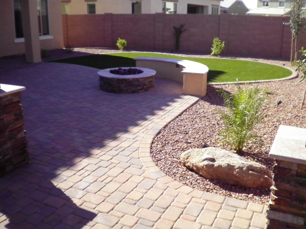 Choosing the perfect design for your arizona backyard for Design your backyard landscape