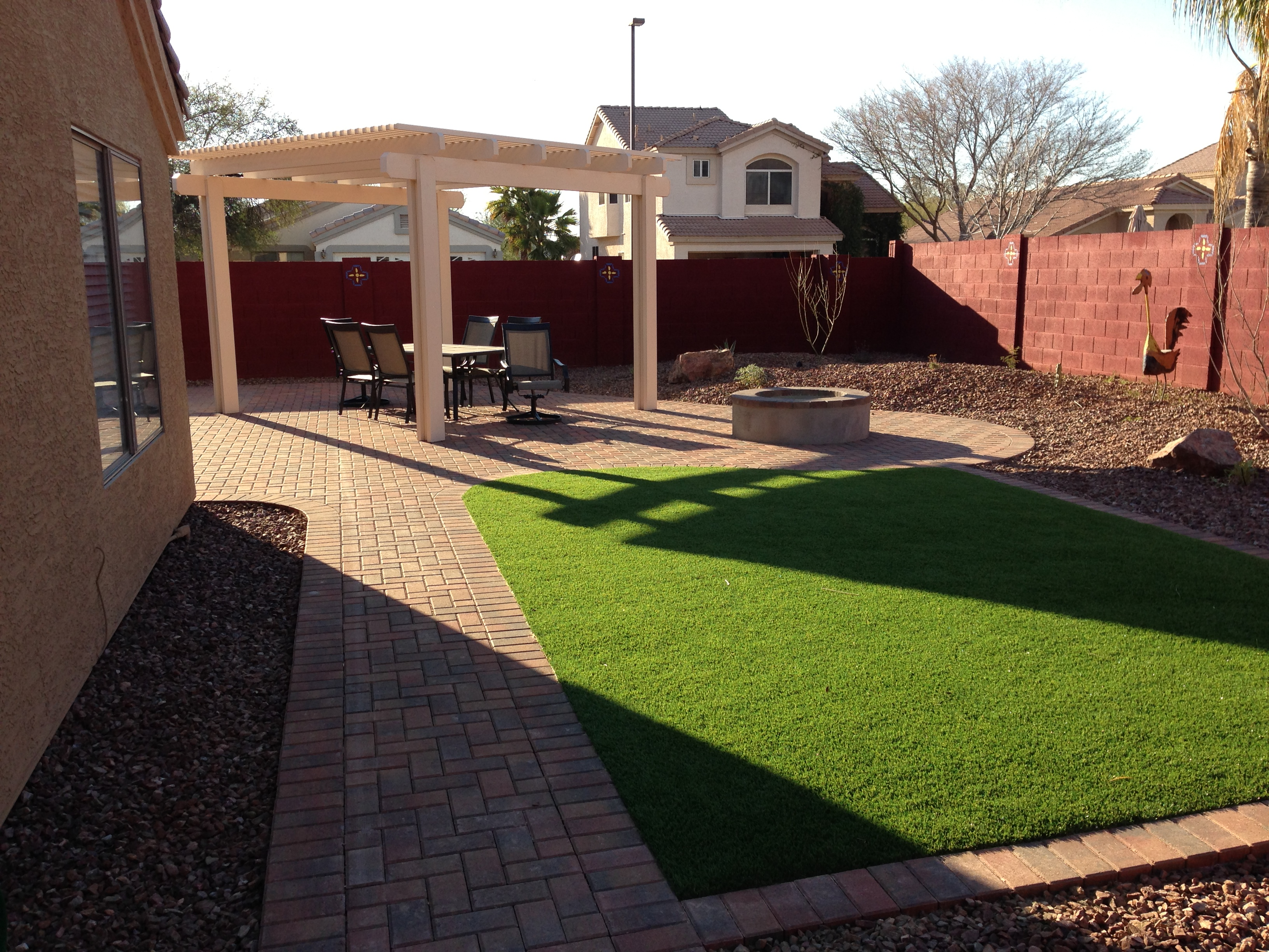 Maintenance free arizona backyard landscape for Outdoor landscape design