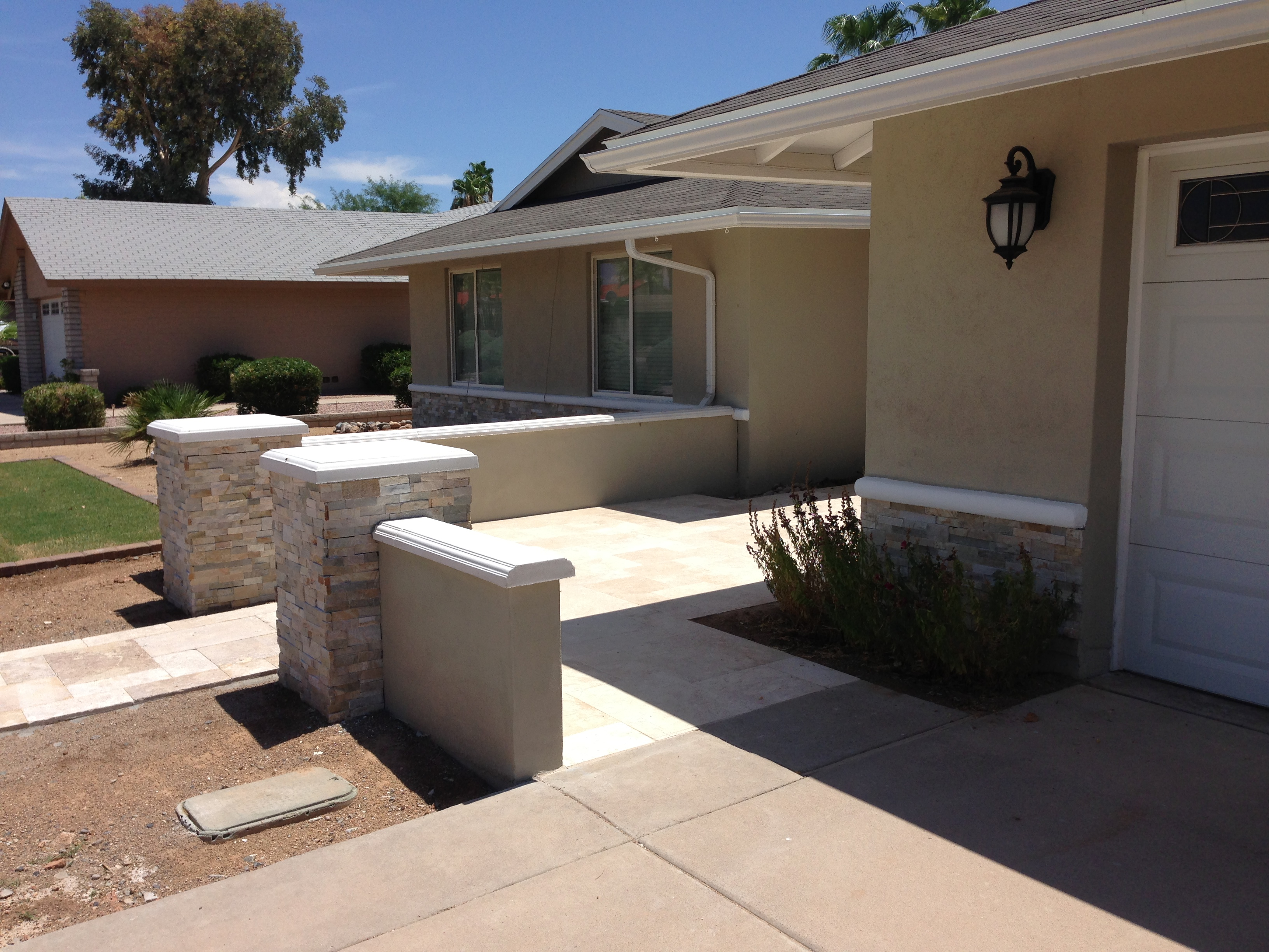 Phoenix landscape design gets a contemporary look for Landscape design phoenix