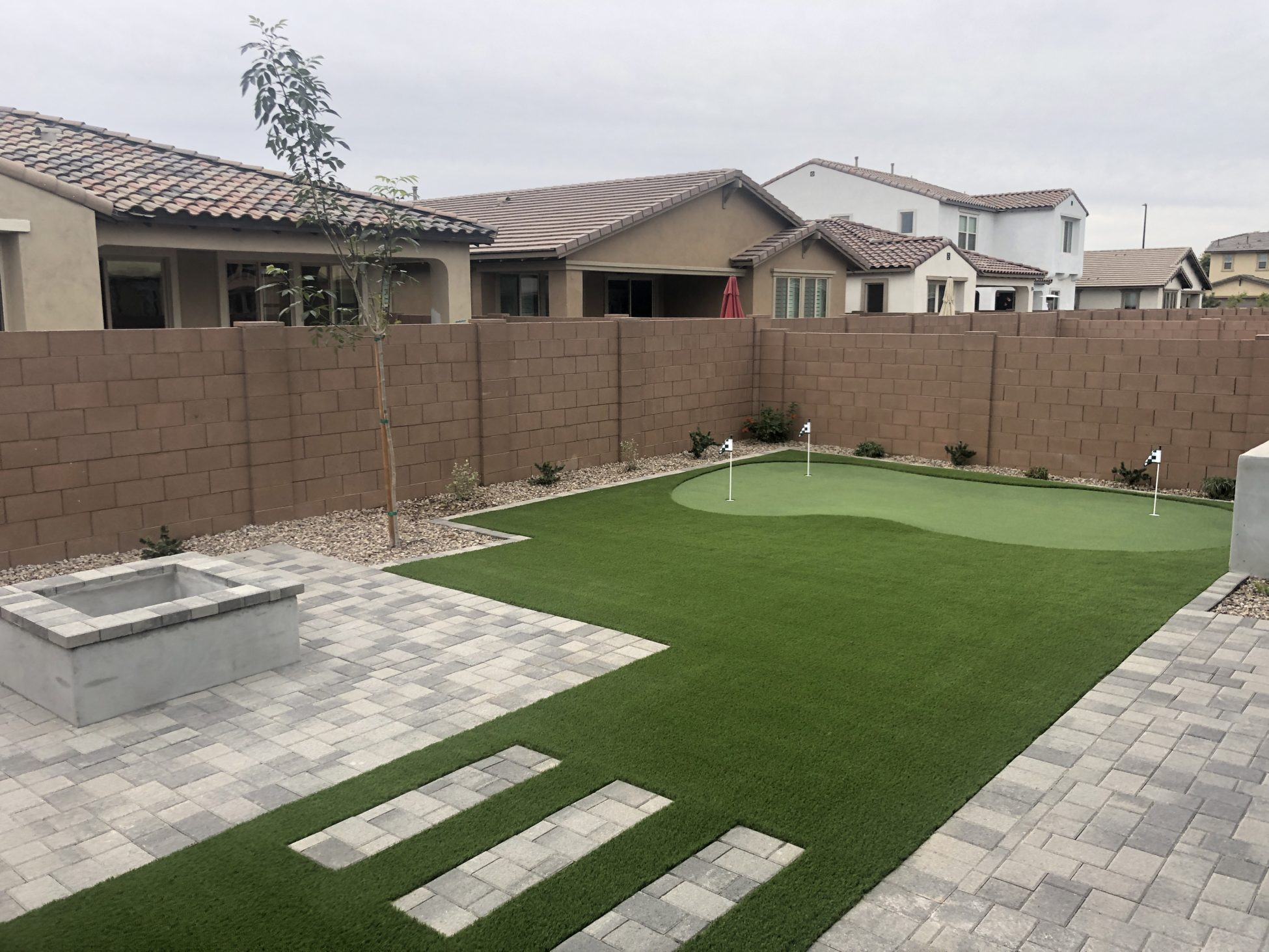 Check It Out Outdoor Putting Green In Arizona Backyard Landscape
